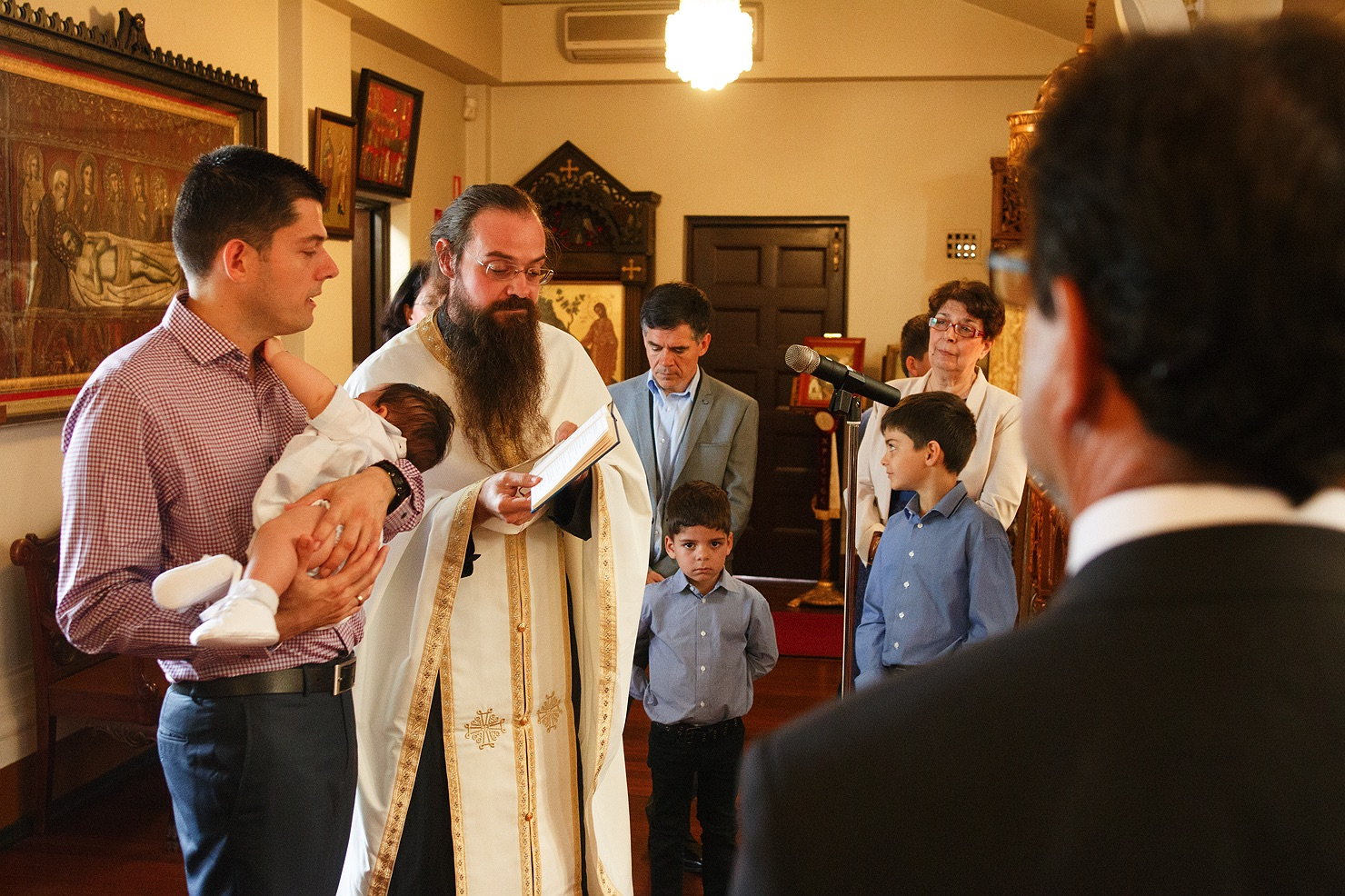 greek-orthodox-christening-baptism-14