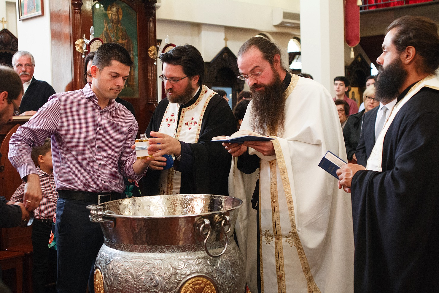 greek-orthodox-christening-baptism-17