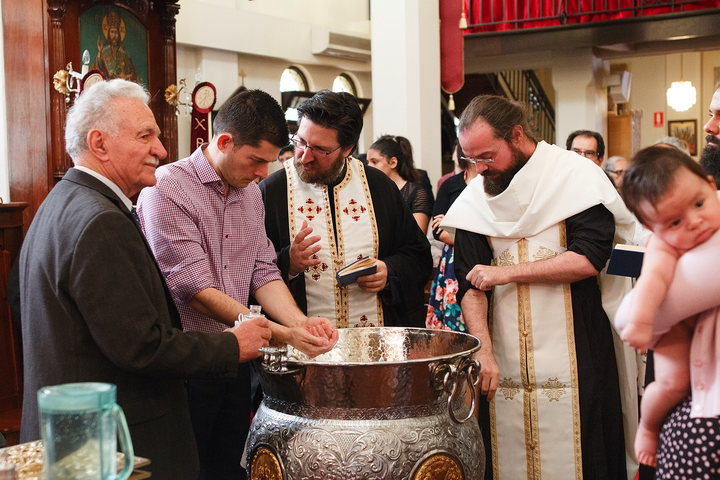 greek-orthodox-christening-baptism-19